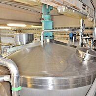 20000 Liter heiz-/kühlbarer Rührwerkstank aus V2A