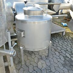 Unused 320 liter tank, Aisi 316