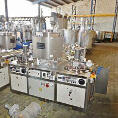Temperierbare Mischanlage für Kosmetik / Cremes aus V2A (60 Liter Schmelzbecken, 15 Liter und 30 Liter Rührwerksbehälter)