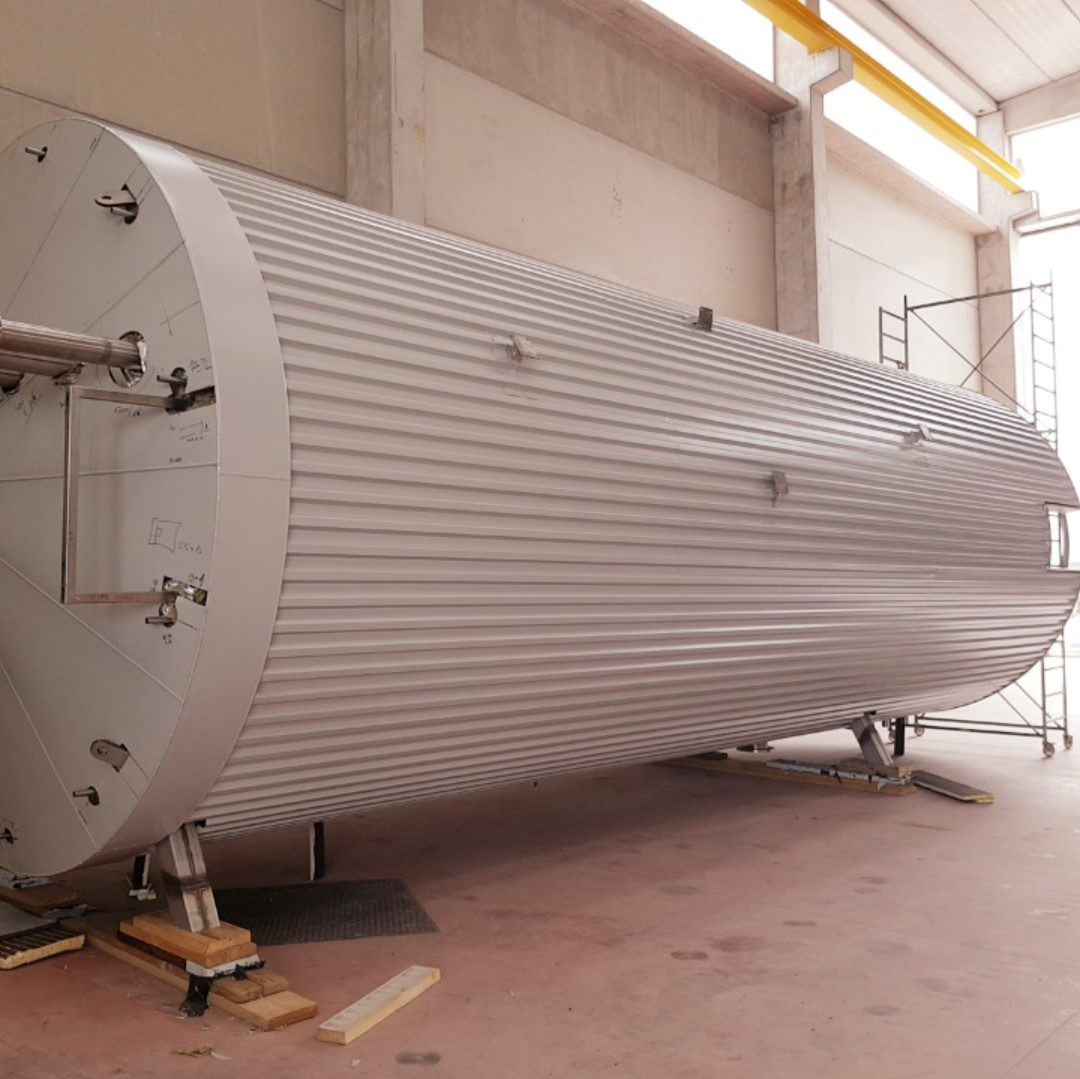 60000 Liter heatable storage tank positioned on a skirt support