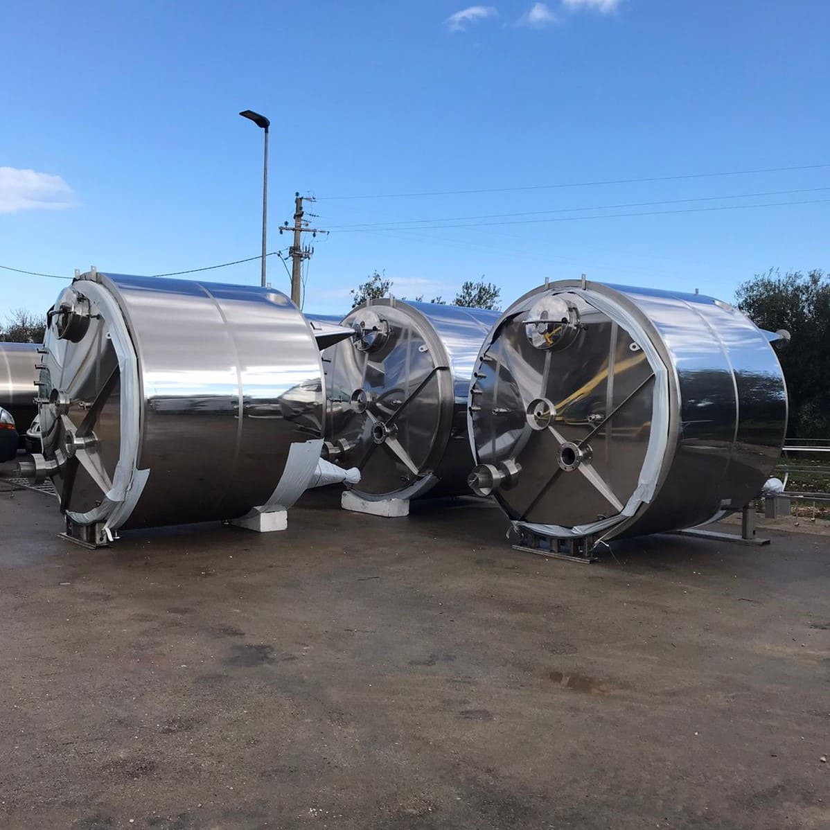 5x 10000 liter steam-heated mixing tanks for the food industry